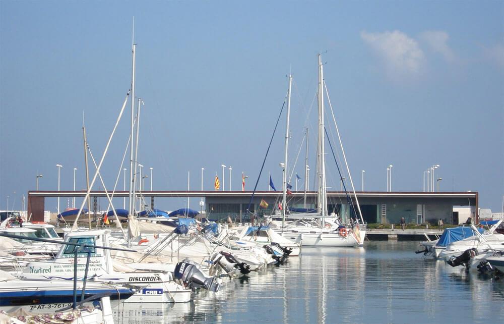 Edificio de servicio del Puerto de Denia. Arquitectura Alicante. Proyectos de Arquitectura. Arquitectos Alicante. Reformas de casas e Interiorismo.