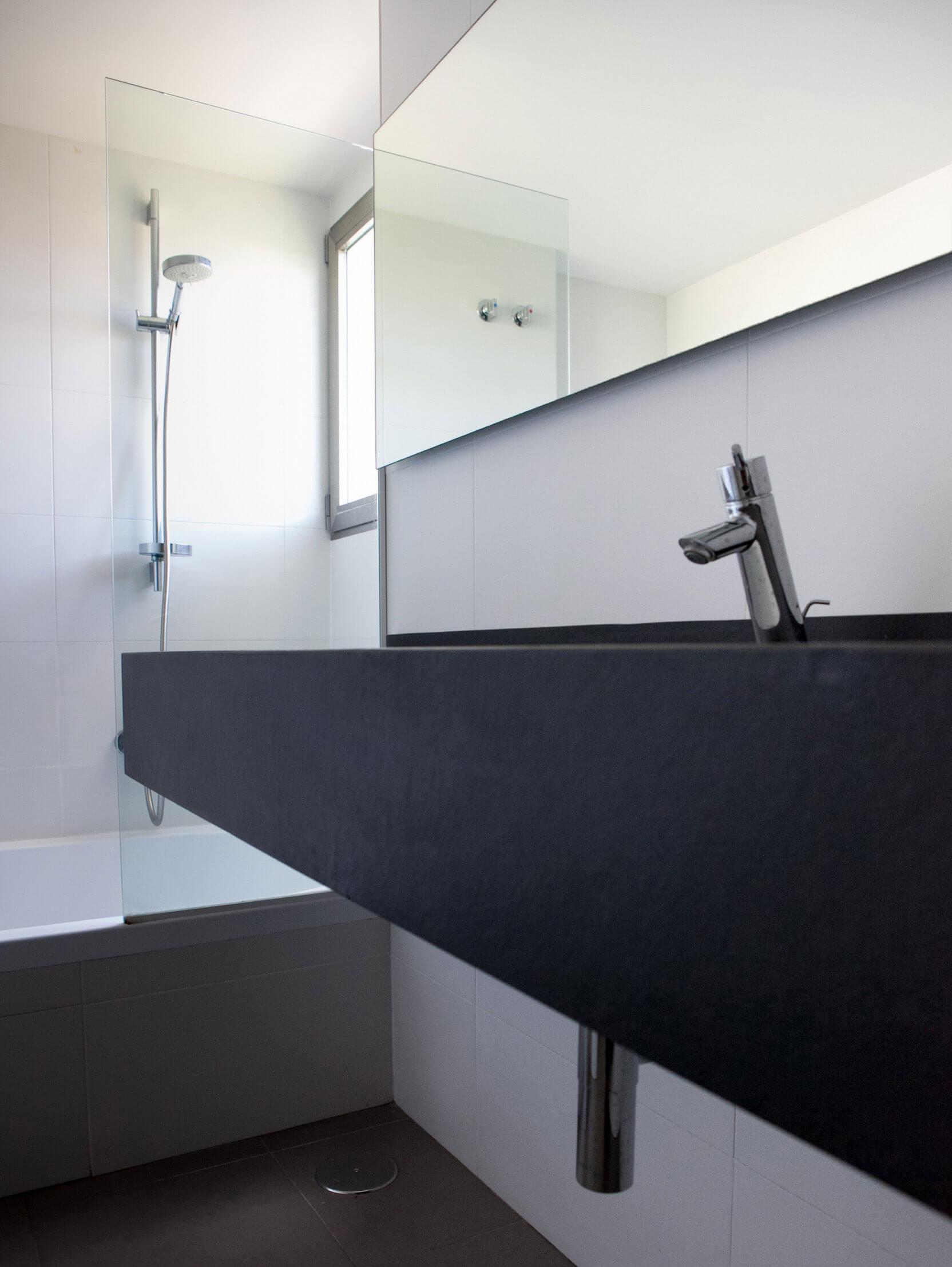 Vivienda unifamiliar de nueva construcción en Onil. Estudio de Arquitectura en la Costa Blanca.