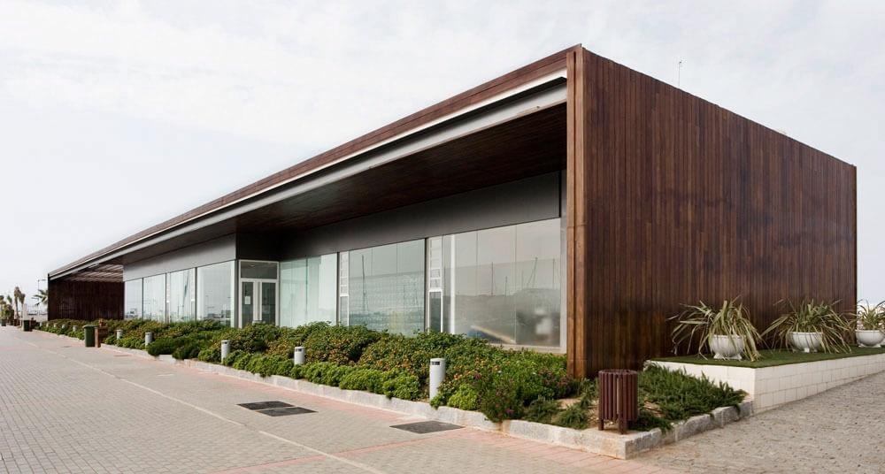 Edificio de servicio del Puerto de Denia. Arquitectura Alicante. Proyectos de Arquitectura. Arquitectos Alicante. Obras de Arquitectura.